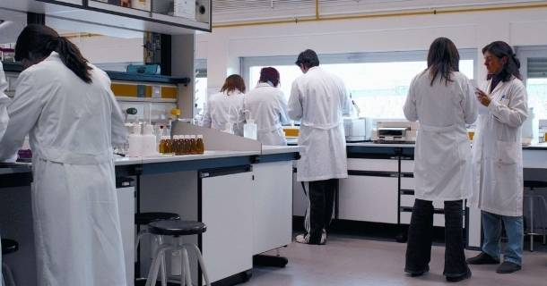 Curso online grátis de Auxiliar de Laboratório de Bioquímica