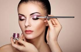 Curso online grátis de Conceitos de maquiagem Profissional