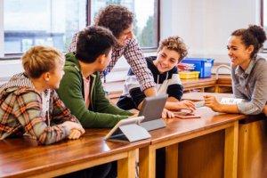 Curso online grátis de Introdução a Educação Social na Adolescência