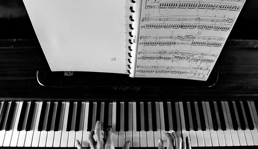 Curso online grátis de Piano Básico
