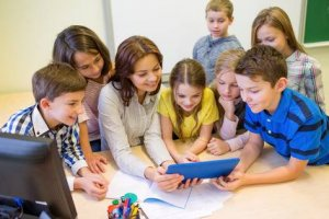 Curso online grátis de Cuidador Escolar para Ensino Fundamental